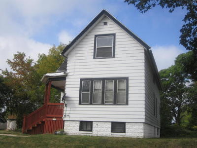 Milwaukee Single Family Home For Sale: 3259 N 5th