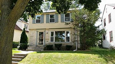 Milwaukee Single Family Home For Sale: 6707 W Moltke Ave.