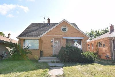 Milwaukee Single Family Home For Sale: 4252 N 62nd St