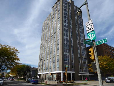 Milwaukee County Condo/Townhouse For Sale: 1707 N Prospect Ave #10C