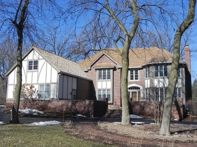 Waukesha County Single Family Home For Sale: N17w30502 Woodland Hill Dr