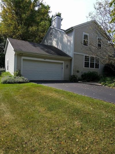 Waukesha Condo/Townhouse Active Contingent With Offer: 2601 Pebble Valley Rd
