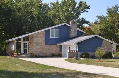 Hales Corners Single Family Home Active Contingent With Offer: 5781 S Kurtz Rd
