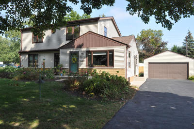 Waukesha County Single Family Home For Sale: 1520 S 169th St