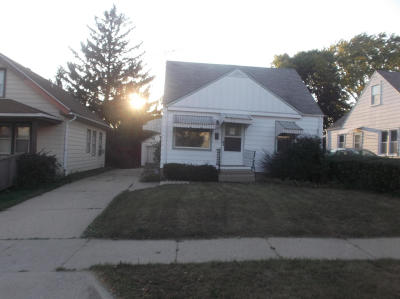 West Allis Single Family Home For Sale: 2355 S 99th St