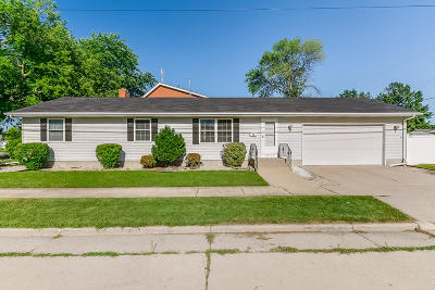 Kenosha County Single Family Home For Sale: 2909 19th Ave