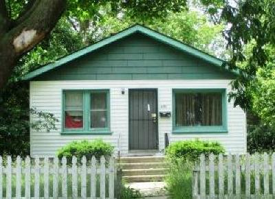 Milwaukee County Single Family Home For Sale: 4861 N 46th St