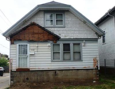 Milwaukee County Single Family Home For Sale: 2660 N 50th St
