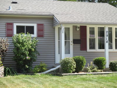 Milwaukee County Single Family Home For Sale: 2914 S 68th St.