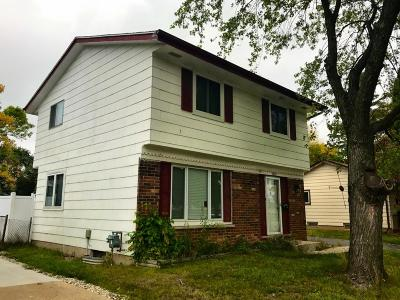 Milwaukee County Single Family Home For Sale: 8010 W Green Tree Rd