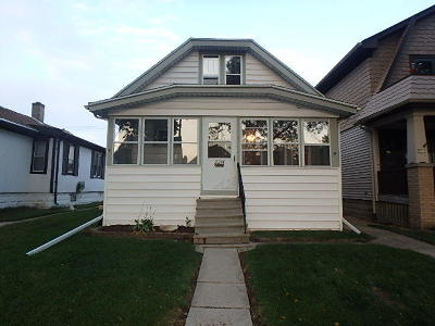West Allis Single Family Home For Sale: 2214 S 73rd St