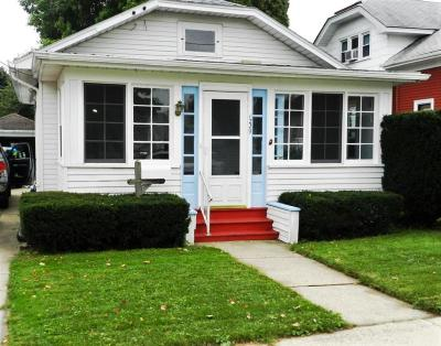 Racine County Single Family Home For Sale: 1229 Augusta St