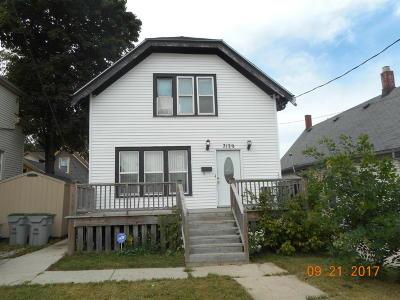 Milwaukee County Single Family Home For Sale: 3129 N Julia St