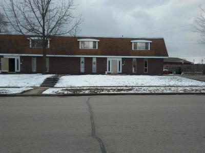 Racine County Multi Family Home For Sale: 583 Edgewood Dr
