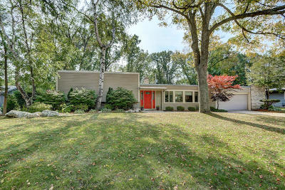 Milwaukee County Single Family Home For Sale: 2115 W Greenwood Rd