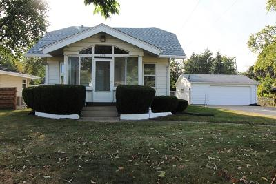 Kenosha County Single Family Home For Sale: 6318 60th Avenue