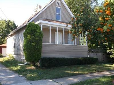 Kenosha County Single Family Home For Sale: 2415 48th St
