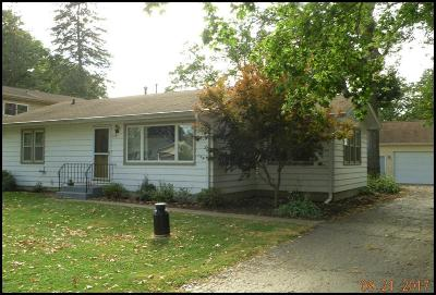 Kenosha County Single Family Home For Sale: 2345 Anna Ave