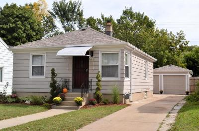 Milwaukee Single Family Home For Sale: 4870 N 18th St