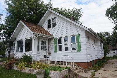 Kenosha County Single Family Home For Sale: 4513 21st Ave