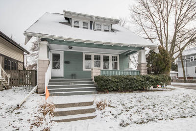 Milwaukee Single Family Home For Sale: 2104 N 56th St