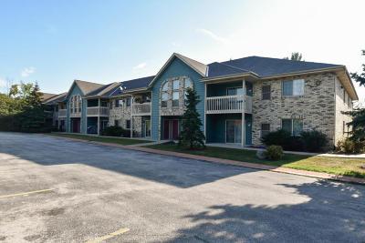 Oak Creek Condo/Townhouse For Sale: 135 W Oak Leaf Dr #4