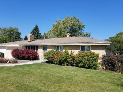 Waukesha County Single Family Home For Sale: 16600 W Addison Ave