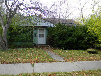 Milwaukee County Single Family Home For Sale: 6087 N 39th St