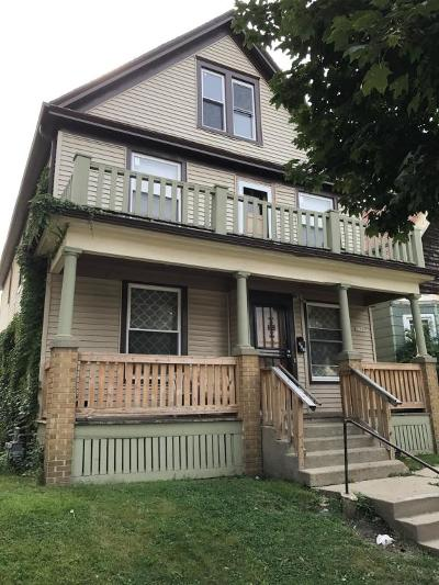 Milwaukee County Multi Family Home For Sale: 3158 N Richards #3160