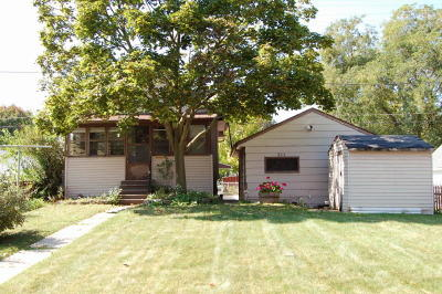 Milwaukee County Single Family Home For Sale: 303 S 64th