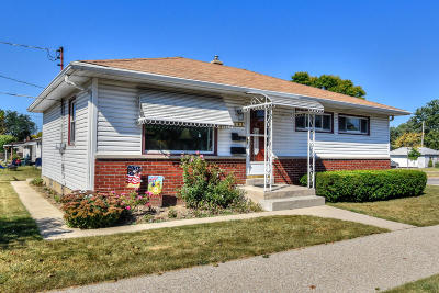 Milwaukee County Single Family Home For Sale: 3501 S 63rd St
