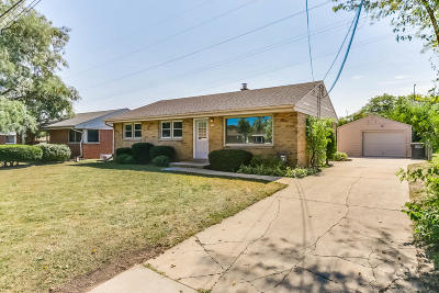 Greenfield Single Family Home For Sale: 5833 W Allerton Ave