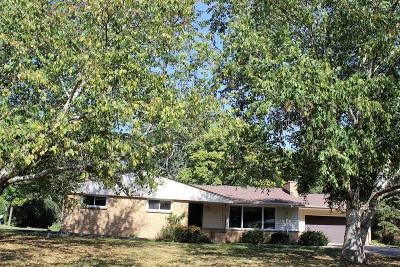 Brookfield Single Family Home For Sale: 12880 Pinewood Rd