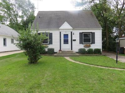 Waukesha Single Family Home For Sale: 337 Palmer St