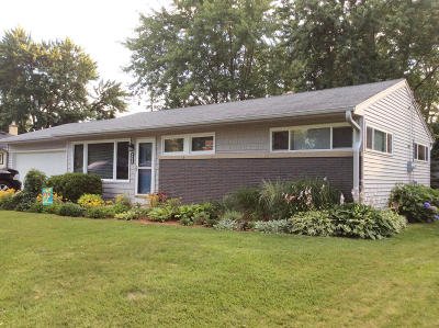 Wauwatosa Single Family Home For Sale: 4433 N 107th St