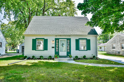 Milwaukee Single Family Home For Sale: 3936 S 57th St