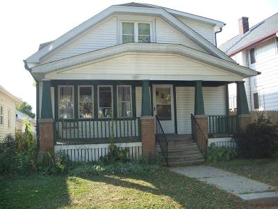 West Allis Single Family Home For Sale: 1007 S 73rd St