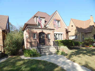Wauwatosa Single Family Home For Sale: 2623 N 66th #St
