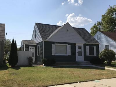 Cudahy WI Single Family Home For Sale: $124,900