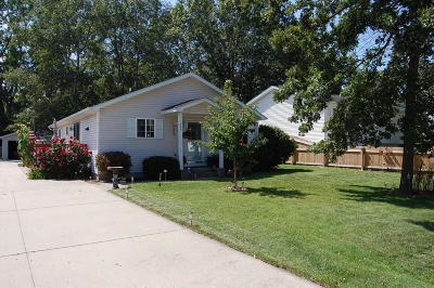 Pleasant Prairie Single Family Home Active Contingent With Offer: 999 101st St
