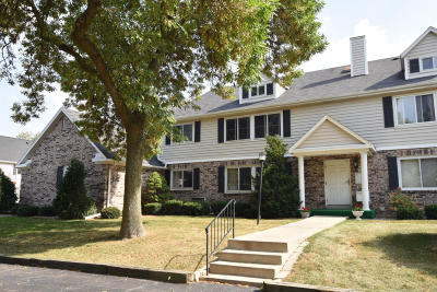 Elm Grove Condo/Townhouse For Sale: 1150 Pilgrim Pkwy