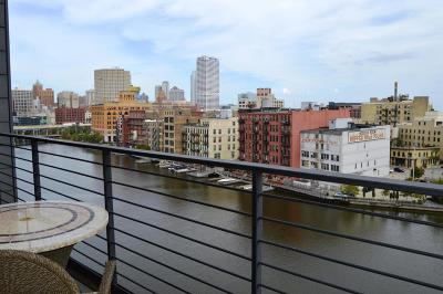 Milwaukee Condo/Townhouse For Sale: 106 W Seeboth #817