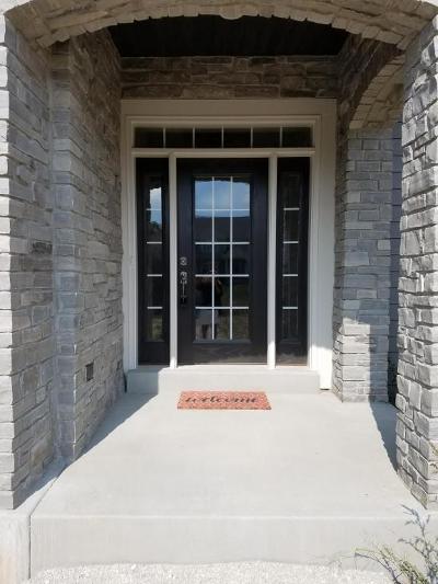 Menomonee Falls Single Family Home For Sale: N53w17920 Ridgeline Trail