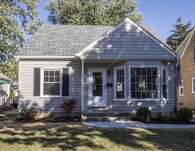 Whitefish Bay Single Family Home Active Contingent With Offer: 4834 N Berkeley Blvd
