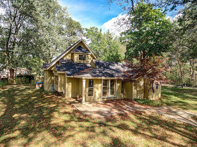 Single Family Home For Sale: S102w34524 Lower Clarks Park Rd