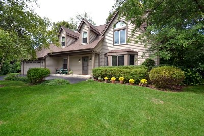 Brookfield Single Family Home Active Contingent With Offer: 1305 Radiant Dr