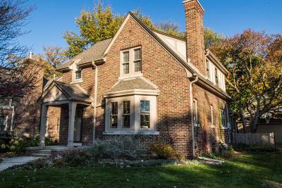 Milwaukee County Single Family Home For Sale: 6020 N Bay Ridge Ave