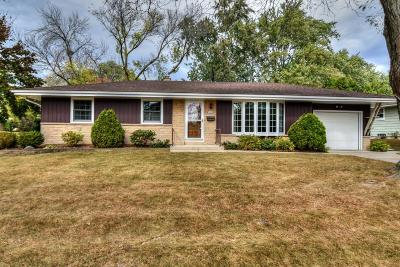 Greendale Single Family Home Active Contingent With Offer: 5480 Laura Ln