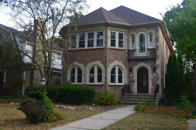 Whitefish Bay Condo/Townhouse For Sale: 609 E Lake View Ave