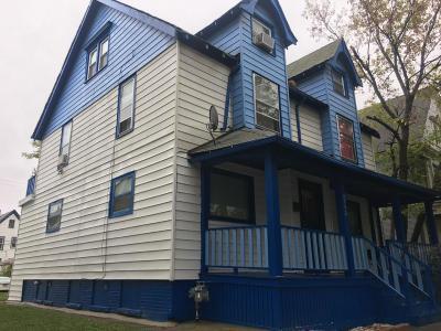 Milwaukee Single Family Home For Sale: 2952 N Buffum St